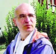 """Giuseppe Paschetto in corsa per il Nobel dell'Insegnamento: """"Ho Tolto Voti, Libri, Compiti e Facciamo Lezione in Collina"""""""