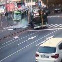 Bezzi/Marostica: una donna morta e 13 feriti in un violento scontro tra mezzi Atm e Amsa
