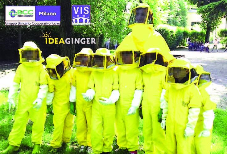 Da oltre dieci anni portiamo le api ai bambini e i bambini alle api